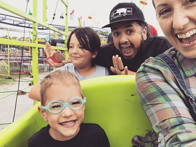 Ashlee, with her partner Froilan, daugher Nova and son Xavier.